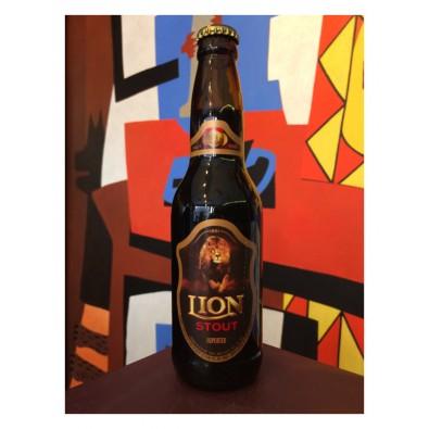 Bouteille de bière Lion Stout